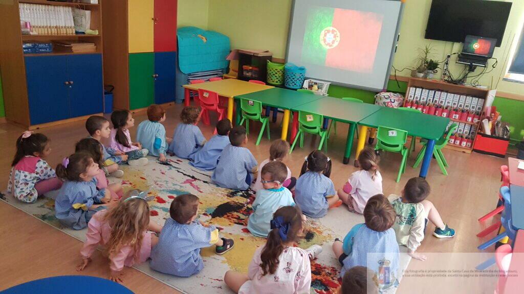 dia-portugal-de-camoes-e-das-comunidades-portuguesas-pre-escolar (1)