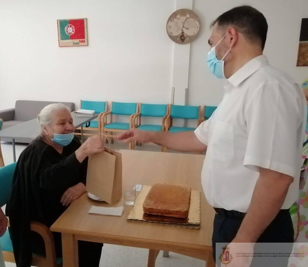 confecao-bolo-aniversario-erpi-sjb (1)